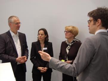 StS Cornelia Rogall-Grothe zu Gast an DsiN-Stand auf der CeBIT