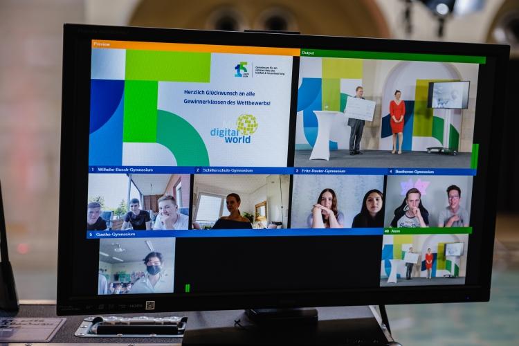 Die Gewinnerklassen beim Jugendwettbewerb myDigitalWorld 2021 im Live-Stream