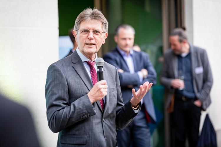 Innenstaatssekretär Klaus Vitt eröffnet das DsiN-Forum Digitale Aufklärung