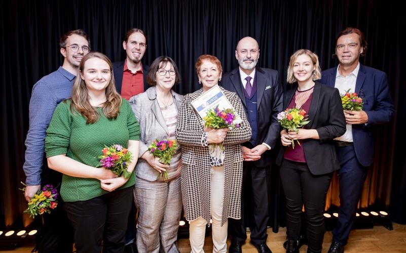 Preisträger Stiftung MedienKompetenz Forum Südwest  mit Laudator Peter Batt