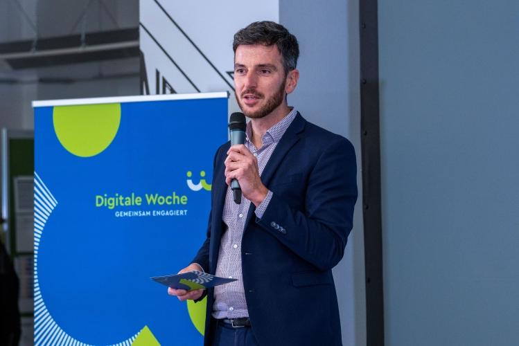 Verleihung des Digitalen Vereinsmeiers 2021 - Dr. Nils Weichert (DsiN e.V., Digitale Nachbarschaft)