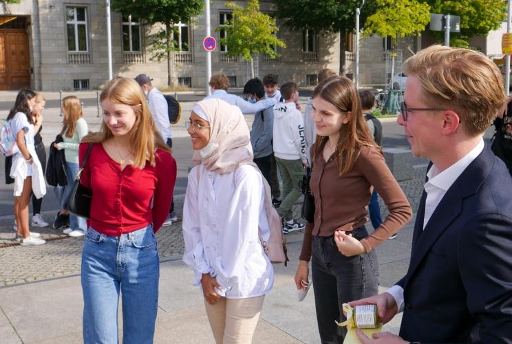 Die Die achte Klasse des Goethe-Gymnasiums in Frankfurt am Main zu Gast bei den Wettbewerbspaten in Berlin