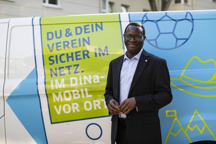 Dr. Karamba Diaby im Interview.