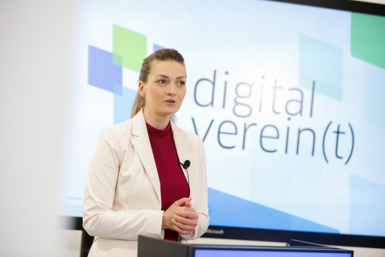 Judith Gerlach eröffnet digital verein(t) Foto: Giulia Iannicelli