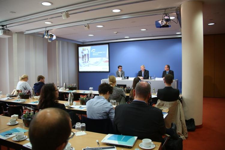 IT-Schutz im Mittelstand stagniert, so der Tenor des DsiN-Sicherheitsmonitors Mittelstand 2015..