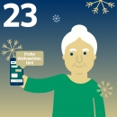 Oma hält Smartphone; Text auf Chat-Sprechblase: Frohe Weihnachten, Omi!
