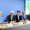 Rita Hagl-Kehl (BMJV), Dr. Thomas Kremer (DsiN-Vorstandsvorsitzender), Dr. Michael Littger, Tobias Weber (DsiN-Geschäftsführer), Tobias Weber (Kantar) und Dr. David Stachon (Generali) stellten die Ergebnisse des DsiN-Sicherheitsindex 2019 erstmalig vor