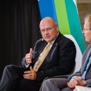 Arne Schönbohm (Präsident BSI) im Gespräch mit DsiN-Vorstand Stephan Micklitz (DsiN-Mitglied Google)