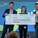 Verleihung des Digitalen Vereinsmeiers 2021, Personen v.l.n.r: Dr. Nils Weichert (DsiN e.V.), Sulamith Fenkl-Ebert (gutes-geht.Digital), Sascha Novoselic (Huawei Deutschland)