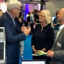 DsiN-Vorstandsvorsitzender Dr. Thomas Kremer im Gespräch mit Bundesministerin für Justiz und Verbraucherschutz Christine Lambrecht und Joachim Schulte vom Digital-Kompass im BMJV