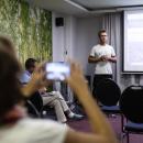 Praktische Tipps und Tools zum digitalen Arbeiten im Verein im Workshop am Mittag.