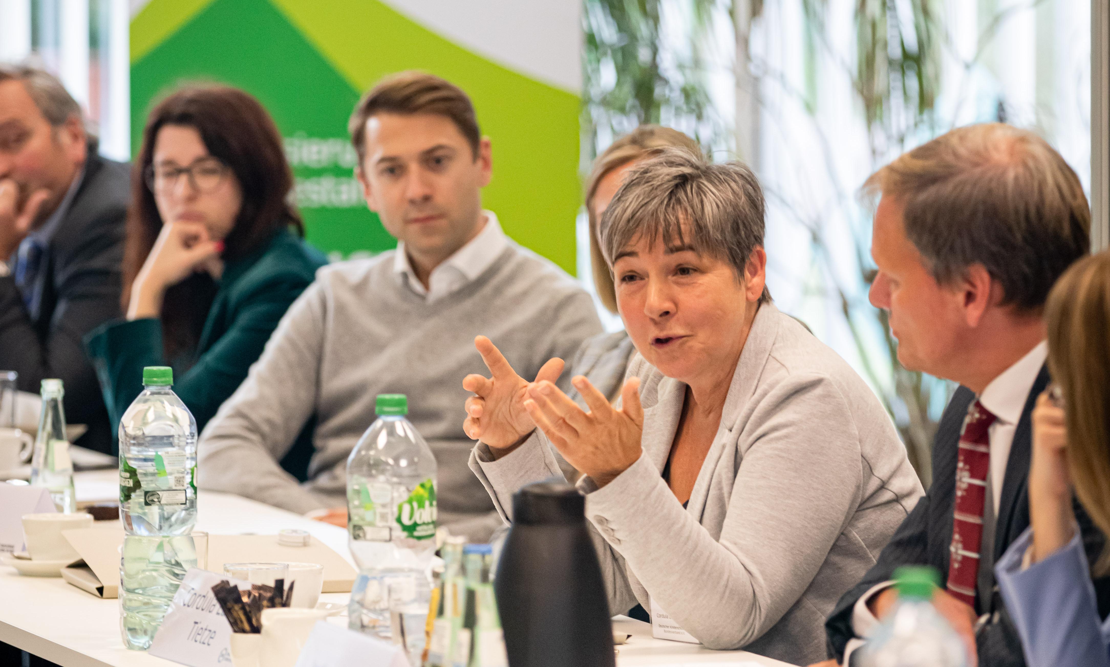 Cordula Lasner-Tietze vom deutschen Kinderschutzbund auf der DsiN Mitgliederversammlung 2019